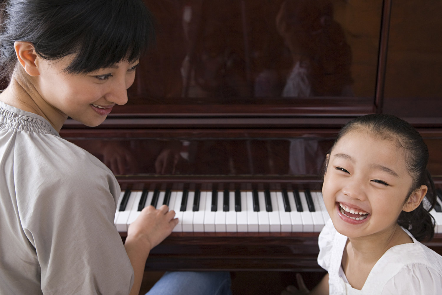 Top 4 Reasons To Learn Piano From A Young Age 2